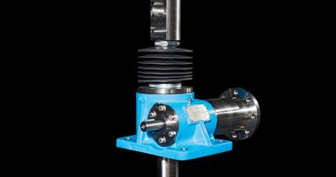 SGT 系列螺旋升降机 经典款式 静态负载 5-2,000KN